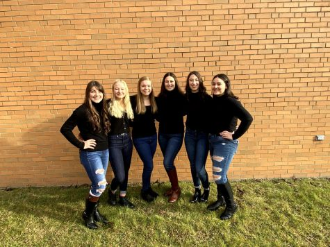 Cheerleading squad takes on districts